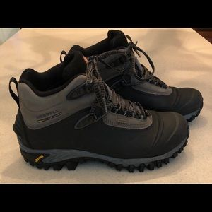Merrill Continuum Hiking Boots